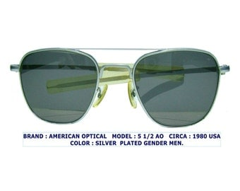 F G 58  pilot sun /american optical sun glasses/american optical aviator/vintage american optical / american optical 5 1/2 AO /