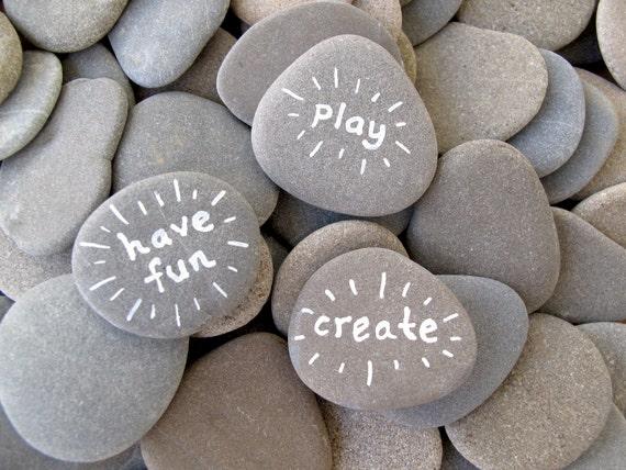 Craft stones 50 flat rocks beach stone supplies rocks to for Where to buy flat rocks for crafts