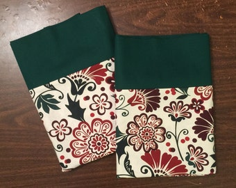 Christmas Pillow Case set in a wonderful Christmas Floral pattern 100% cotton standar/queen