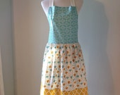 Women's Apron/Hostess Gift/Kitchen Wear