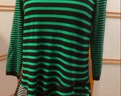 Turn Heads in this Lively Tunic! Size small to medium