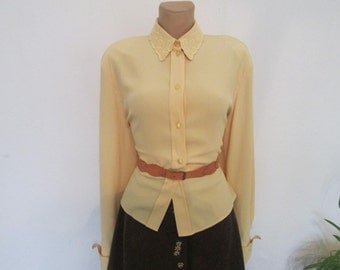 Womens Blouse / Blouse Vintage / Yellow Blouse / Size EUR 42 / 44 X UK14 / 16 / Embroidery / Buttoned