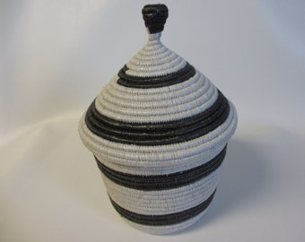 Large Black and White Handwoven Traditional African Basket with Lid, Ugandan Basket, Black and White Decor, Black and White Storage, Nyaka