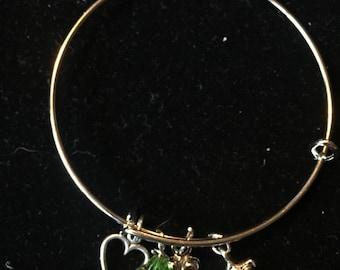 Adjustable charm bangle