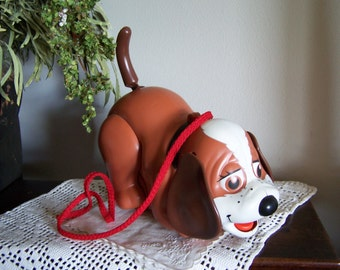 """Vintage 1978 """"Happy Puppy"""" Norcross Pull Toy,Moves Legs Wags Tail,RARE & Like New"""