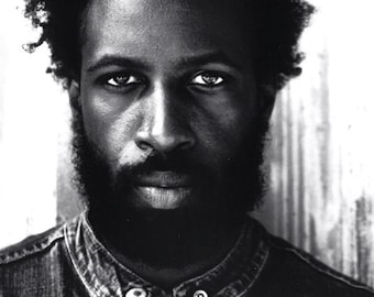 Saul Williams, small shirt