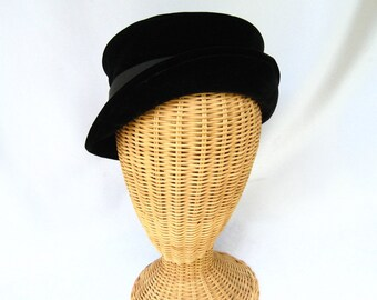 Vintage Ladies Hat Black Velvet Evelyn Varon