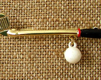 vintage 80s golf club pin brooch with dangling golf ball