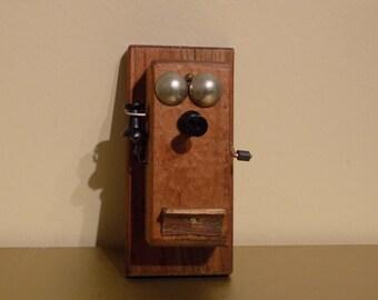 Hand Crank Telephone Magnet