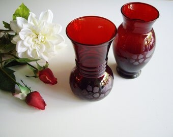 Vintage, Glass Vases, Ruby Red, Anchor Hocking, Etched, Set of 2, Medium Sized, Small Bouquet, Red Wedding, Red Party Decor, Red Glass