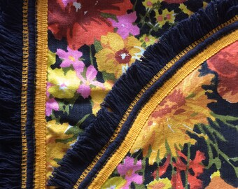 "Gorgeous, Bold ""Flower Power"" Floral Twin/Full Bedspread with Fringe"