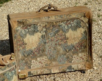 FRENCH Luggage Co - Paradise Suit Case Only