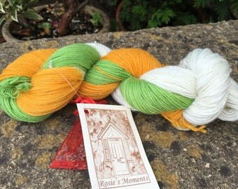"100grms hand painted fingering weight yarn merino /nylon /"" daisy"""