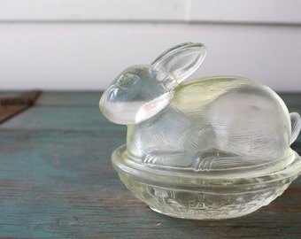 Pale Yellow Glass Bunny Dish, Bunny Candy Dish, Bunny Butter Dish, Easter decoration