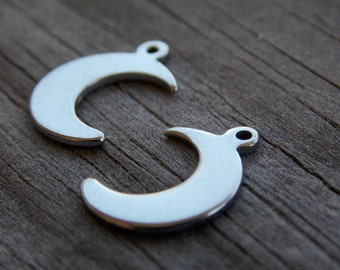 10 Stainless Steel Moon Charms Stamping Blanks 16mm