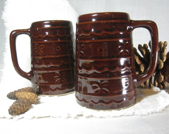 Vintage 1960's Marcrest USA Stoneware 2 mug set in Daisy & Dot Pattern