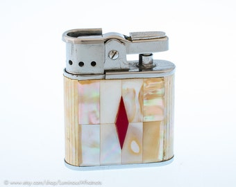Working Japanese Faux Mother Of Pearl Pocket Lighter With Disappearing Windguard  - NOS