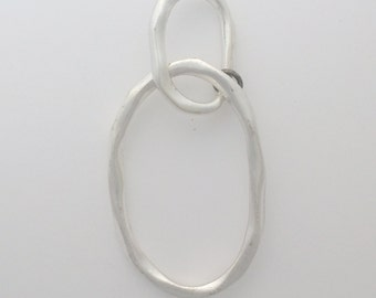 Silver plated hammered oval drop: 2506