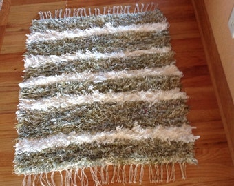 Handwoven Rug - Shaggy Green & White