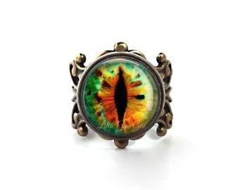 Dragon Glass Eye Ring - Gothic Cat Eye Jewelry - Vintage Brass Filigree Adjustable Ring - Evil Eye Jewelry - Green Orange Eyeball Ring (E1)