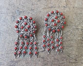 1960's Coral EARRINGS / Vintage Zuni Jewelry / Snake Eye Coral Dangle Earrings