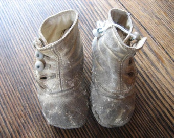 Victorian White Leather 4 Shoe Button Baby Shoes Well Worn 3.5 Inches Long