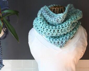 Crochet Cowl,Cowl Scarf,Knit Cowl,Loop Scarf,Chunky Knit,Crochet Scarf,Knit Scarf,Neck Scarf,Neck Warmer,Neck Wrap,Purple,Blue,Gift,Soft