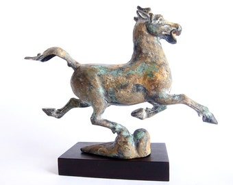 Horse Statues, Horse Figurines, Horse Sculptures, Vintage Dynasty Horse Chebi Dragon