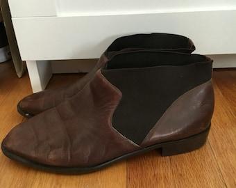 Brown vintage ankle booties