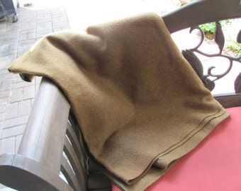 """Army Green Wool Blanket 64"""" x 82""""  from WWll 1945 / Army Blanket for Camping"""