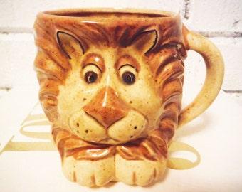 Vintage lion coffee mug big cat retro safari pencil cup
