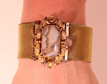 French Victorian Gold Plated Large Braided Bracelet Large Agate Invisible Clasp Circa 1830 1840 Romantic Jewelry