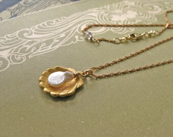 Sea of Peace Aphrodite necklace
