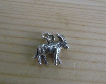 Vintage 3D Wild Burrow Sterling Silver Pendant