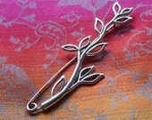 Shawl pin/ brooch hollow leaves