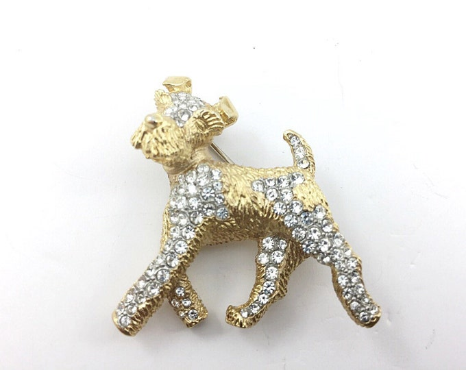 Unique Vintage Rhinestone Scotty Dog Brooch, Dog Brooch with rhinestones. Goldtone Dog Brooch. Golden Puppy Dog Pin. Cute brooches.