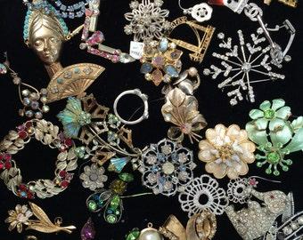 Destash gorgeous vintage pieces of rhinestone and jewelry