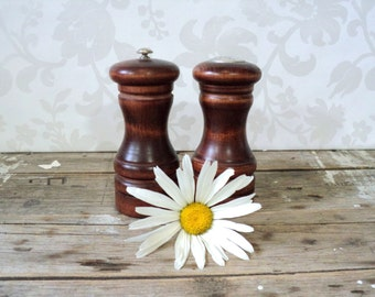 Baribocraft  large Wood Pepper Mill and salt shaker 1960's, Made in Canada