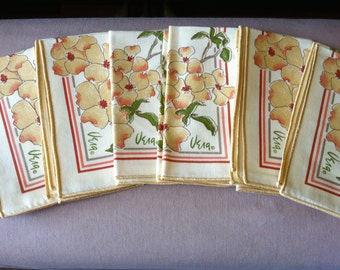 "Vintage 70's ""VERA NEUMANN"" 6 CLOTH NAPKiNS - Dogwood Flowers & Butterflies Design"