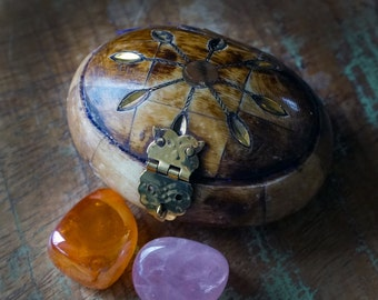 Sun Treasure Boxes with two Intuitively Chosen Stones