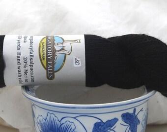 Black alpaca/merino yarn