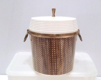 Insulated Ice Bucket Vintage Burlap Raffia Lined Cooler 60s Woven Straw Barware White Plastic Melmac Kitchen Patio Picnic Tiki party Atomic
