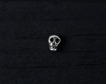 Mini Skull push in 16gauge bio flexible tragus/helix/cartilage earring