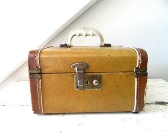 Vintage Train Case Brown Tan with Key