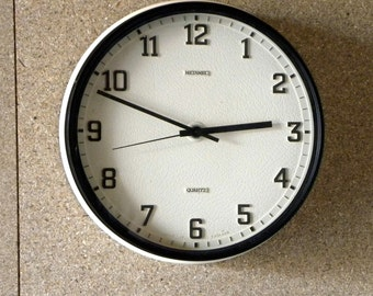 Metamec Deep Wall Clock - Original Battery Operated - Kitchen Clock - Off White Metamec Wall Clock