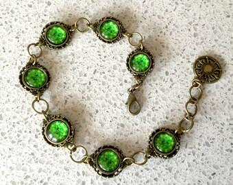 Ghoulish Green Alchemical Mystic Design Link Bracelet