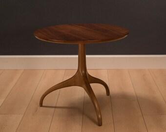 Mid Century Heritage Henredon Walnut Side Table