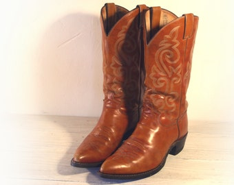 Vintage Cowboy Boots, Justin Caramel Tan Leather & Pointed Toes, Men's size 11.5 D.