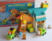 Fisher Price 1977-79 Play Lift & Load Depot #942-Complete w Original Box