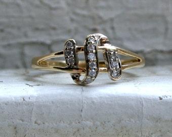 Sweet Vintage 14K Yellow Gold Pave Diamond Ribbon Ring - 0.24ct.